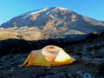 Kilimanjaro vistas tienda acampada